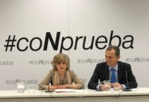 María Luisa Carcedo e Pedro Duque, na presentación da campaña #CoNprueba. Fonte: Ministerio de Ciencia.