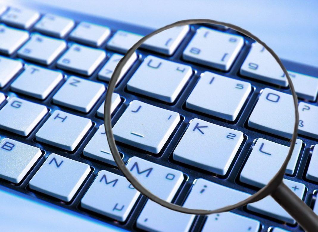 A lei aprobada o ano pasado polo Senado permite a compilación de datos persoais por parte das formacións políticas.