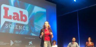 Andrea Muras, na semifinal de FameLab celebrada en Sevilla. Foto: USC.