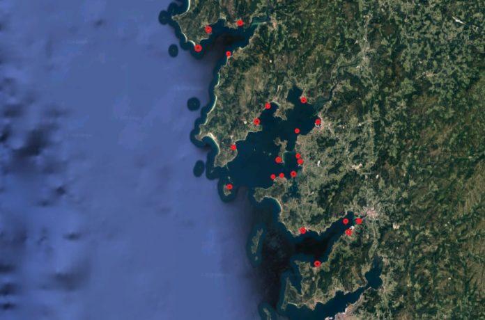 As trazas de antidepresivos atopáronse nunha mostraxe realizada en 22 puntos das rías de Muros e Noia, Arousa e Pontevedra en Xullo de 2015. Fonte: Google Maps/ Chemosphere/Elaboración propia.