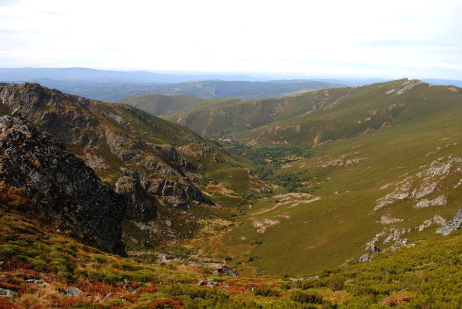 Montes de Trevinca, unha das zonas máis illadas e pouco poboadas de Galicia. Foto: R. Pan.