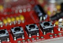 A clase incluirá nocións de robótica e programación con obxectos da vida cotiá. Foto: Allan / CC BY-NC 2.0.