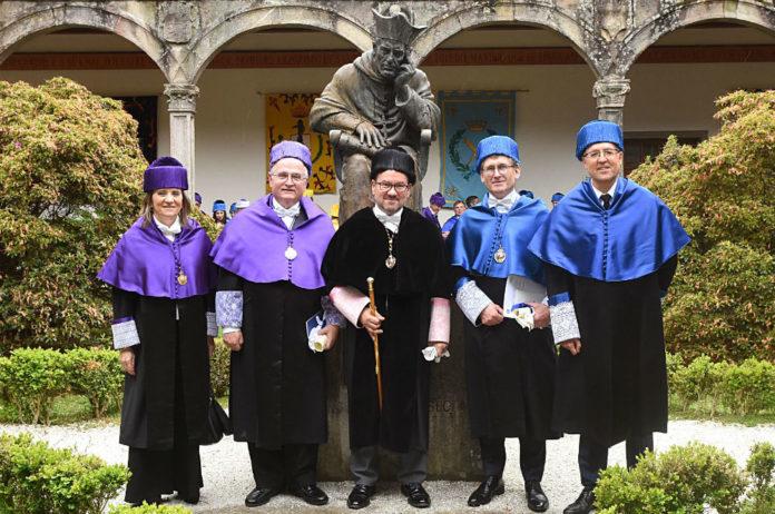 María José Alonso, Nicholas A. Peppas, Antonio López, Ben Feringa e José Luis Mascareñas, despois da cerimonia dos novos doutores honoris causa. Foto: Santi Alvite/USC.