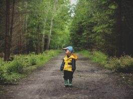 As persoas adultas que pasaron a infancia en espazos naturais demostraron mellores resultados nos test de saúde mental.