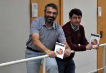 Miguel Mirás e Nicanor Alonso, autores de 'Mate-glifos'. Foto: Duvi.