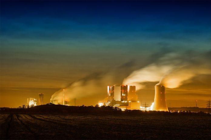 O ser humano contribúe á presenza de CO2 na atmosfera pola queima de combustibles fósiles.