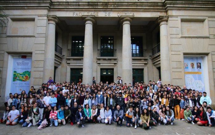 Foto de grupo dos participantes na entrega de premios do concurso. Imaxe: USC.