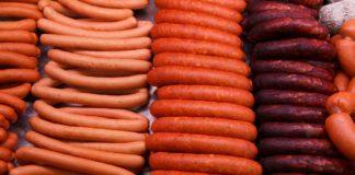 Os afectados polo brote de triquinose consumiron embutidos de porco que tiña o verme do xénero Trichinella.