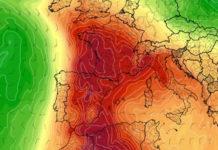Galicia librarase da vaga de calor que afectará a países como España, Francia, Bélxica e mesmo Reino Unido. Fonte: tropicaltidbits.com.