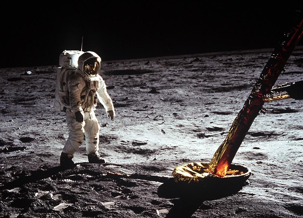 O astronauta Edwin 'Buzz' Aldrin camiña pola superficie da Lúa. Foto: Arquivo da NASA.