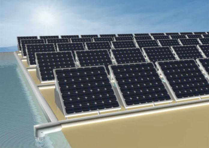 Recreación do proyecto que combina os panes solares coa producción de auga limpa. Fonte: Axencia Sinc.