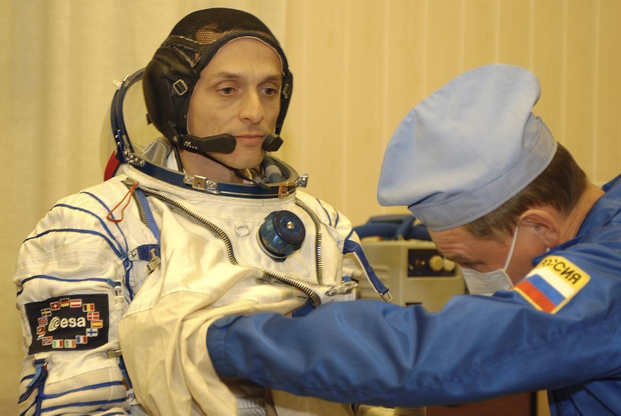 Duque, durante os preparativos da súa viaxe espacial en 2003. Foto: Arquivo da NASA.