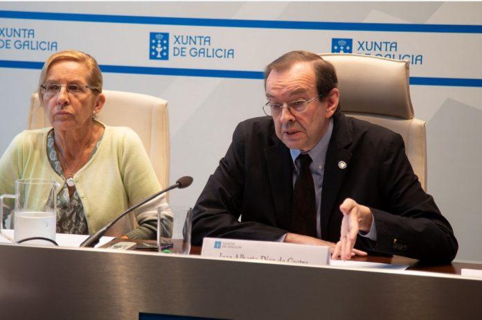 María Jesús Tallón Nieto, subdirectora xeral de Promoción Científica e Tecnolóxica Universitaria; e José Alberto Díez de Castro, secretario xeral de Universidades. Fonte: xunta.gal.