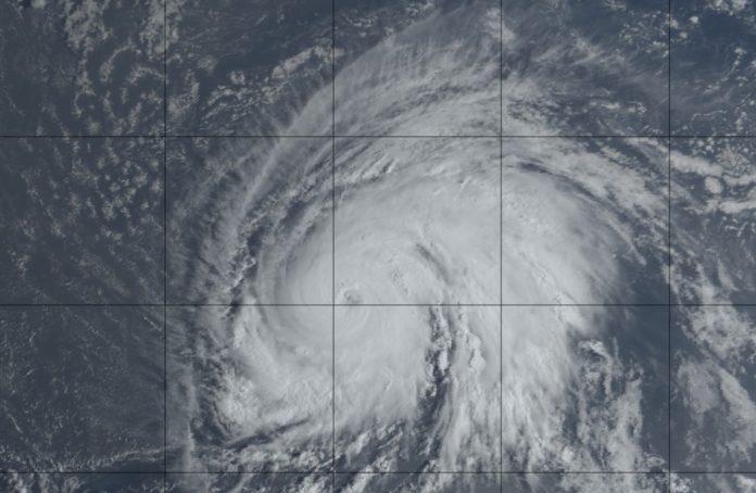 Imaxe de satélite do furacán Lorenzo na mañá deste xoves. Fonte: GOES-16.