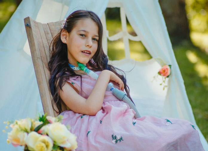 Delfi Hernández e a súa familia pasaron 10 anos sen saber cal era o diagnóstico da súa doenza. Foto cedida por Soledad Hernández.