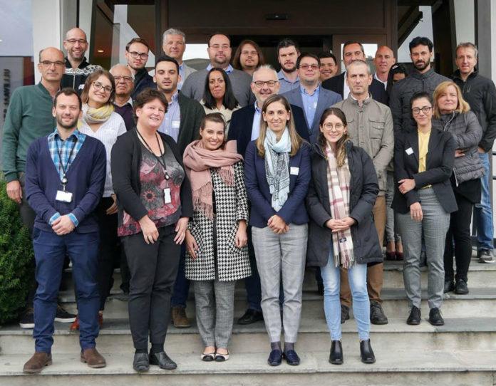 Foto de familia en Oslo dos participantes en Safeway. Fonte: Duvi.