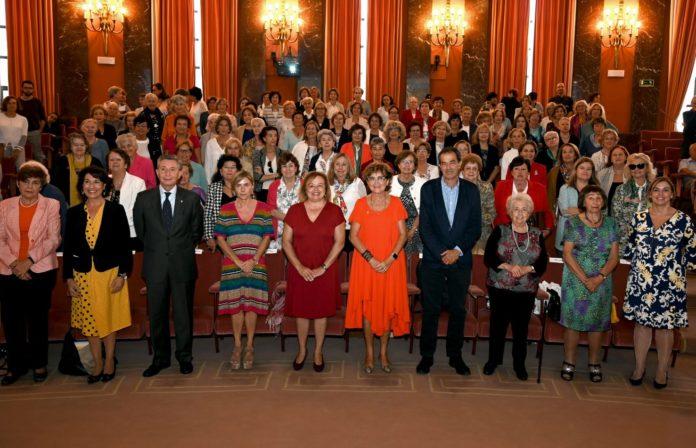 Tarsy Carballas, segunda pola dereita, na homenaxe celebrada en Madrid. Foto: CSIC.