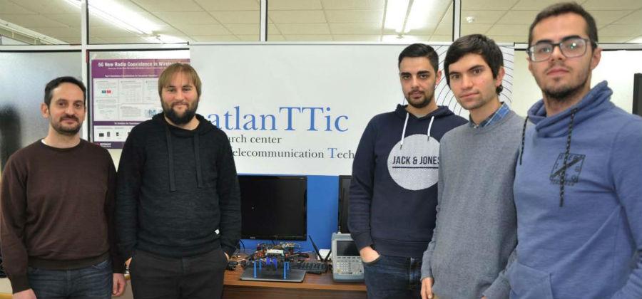 Investigadores do novo laboratorio de 5G. Foto: Duvi.