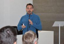 Conferencia de Javier Hernández sobre as contornitas na Facultade de Ciencias do Mar. Foto: Duvi.