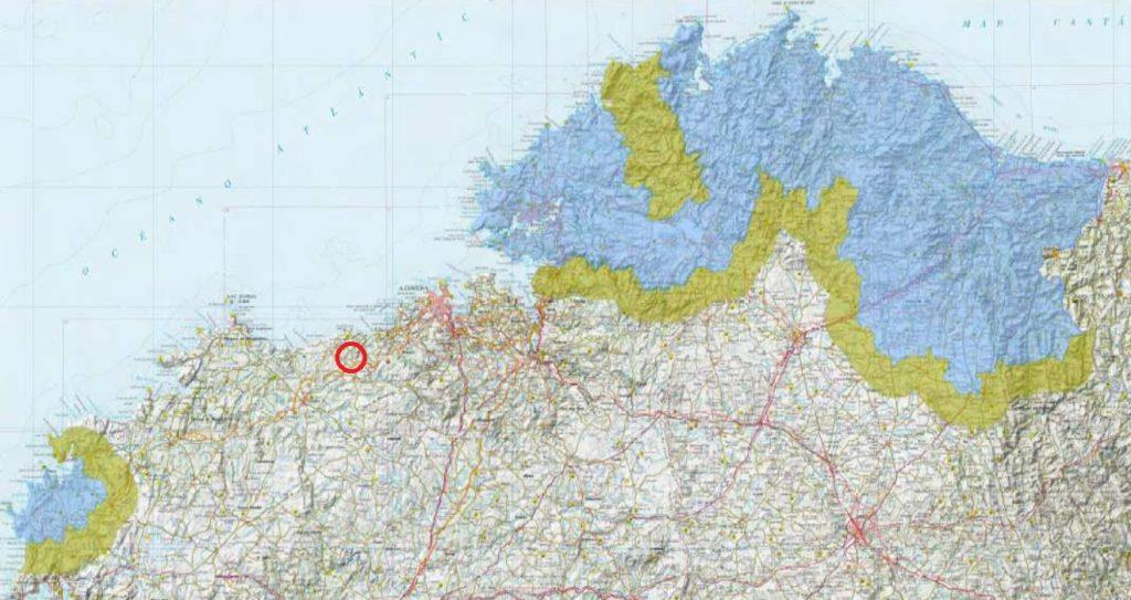 En vermello, zona da comarca de Bergantiños onde se detectou a couza. As áreas en azul marcan as zonas infestadas, e en verde, as zonas tampón. Fonte: Medio Rural /Elaboración propia.