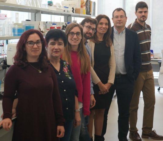 Grupo EQ-10, dirixido por Ana Belén Moldes e José Manuel Cruz (3ª e 2ª pola dereita). Fonte: RAGC.
