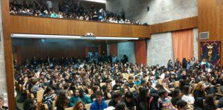 Auditorio de Medicina, ateigado durante a asemblea celebrada na xornada de folga do mércores. Fonte: Asemblea de Medicina USC.