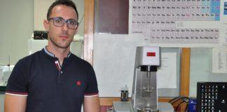 Javier Pérez Vallejo deseñou, na súa tese de doutoramento, 22 novas familias de nanofluídos con aplicacións en procesos de transferencia de calor. Foto: Duvi.