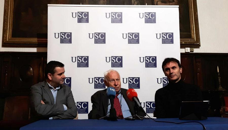 González, Lindahl e Mira, durante o encontro cos medios. Foto: R. Pan.
