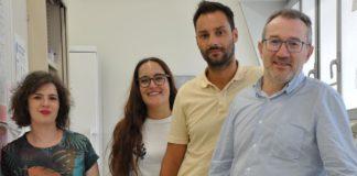 Lola Rueda, Ana Campos, Salvador Herrera e José A. Lamas no Laboratorio de Neurociencia. Foto: Duvi.