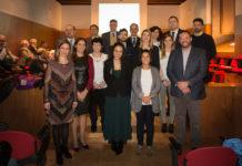 Os premiados pola Academia Galega de Ciencias e a Gain, coas autoridades presentes no acto. Foto: RAGC.