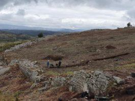 Panorámica do recinto amurallado que se identificou como o Forum dos Bíbalos. Fotos: Duvi.
