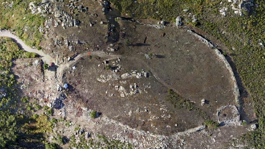 Imaxe aérea do xacemento.