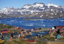 Vila de Tassilaq, na costa leste de Groenlandia.