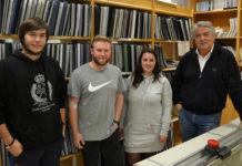 Os investigadores do grupo AF4 Sergio Lamosa, Manuel Viso, Sergio Lamosa e Paula Rivas, xunto a Enrique Valero. Foto: Duvi.