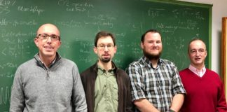 De esquerda á dereita: Jaime Álvarez, Thomas Dent, Gareth Davies e Enrique Zas, do IGFAE. Foto: USC.