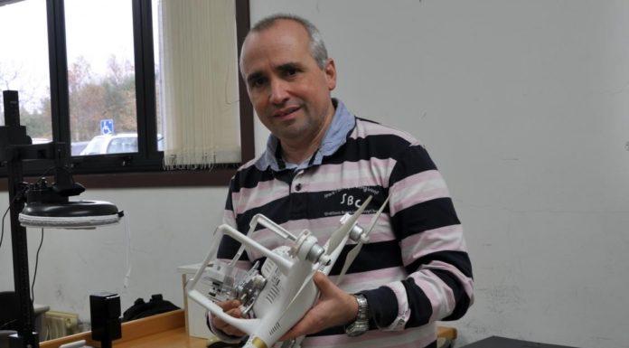 O investigador Fernando Martín dirixe o proxecto Bewats para analizar o camiño que percorre o lixo mariño. Foto: Duvi.
