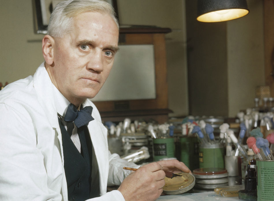 Alexander Fleming foi a peza clave para descubrir a penicilina. Fonte: Wikicommons.