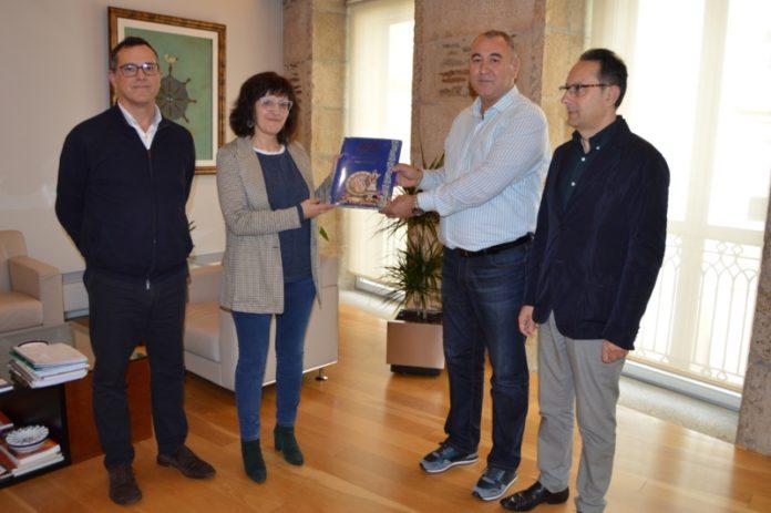 Tomás Cuesta, Montserrat Valcárcel, Omin Rahimov e Jesús Varela Zapata, na Vicerreitoría de Coordinación de Lugo. Foto: USC.