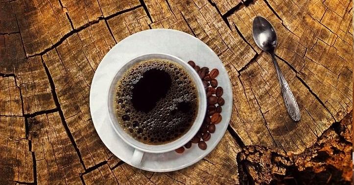 Moita xente non pode comezar o día sen unha cunca de café.