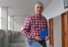 Manuel Lago, catedrático da Facultade de Ciencias da Educación e do Deporte da UVigo, é autor xunto ao seu irmán Ignacio do estudo sobre fútbol e inmigración. Fonte: Duvi.