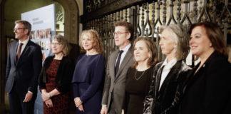 De esquerda a dereita, Alfonso Rueda, Peregrina Quintela, Mabel Loza, Alberto Núñez Feijoo, María José Alonso, Alicia Estévez e Susana López Abella. Foto: xunta.gal.