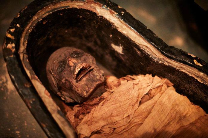 A momia de Nesiamón foi estudada nun hospital de Leeds. Fonte: Leeds Museums & Galeries/Twitter.