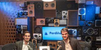 Simón Pardiñas, director da clínica, e Sergio Otegui, responsable de comunicación, nos estudos de Youtube en Nova York. Foto: Clínica Pardiñas.