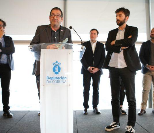 Eduardo Rolland e Pablo López agradecen o recoñecemento da Deputación da Coruña. Foto: DACCultura.