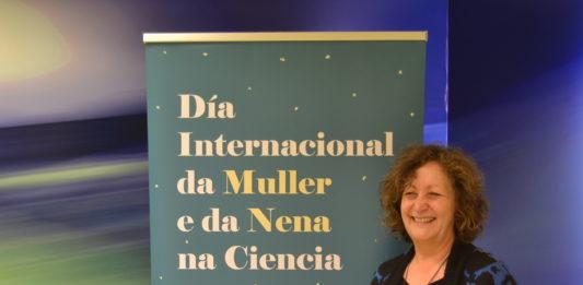 Carme Fouces na presentación dos actos do Día da Muller e a Nena na Ciencia.