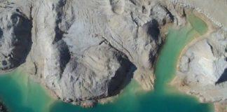 Vista cenital da balsa onde se produciu a rotura en 2014 (parte superior dereita). Fonte: Plataforma Monte Neme.