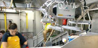 A ferramenta de identificación, a bordo dun buque. Foto: CSIC.