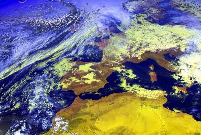 A pesar de situarse ao norte, a potencia de Dennis deixarase notar en Galicia. Fonte: MeteoGalicia.