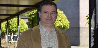 O profesor Carlos Garrido, do Departamento de Tradución e Lingüística da UVigo, é o autor da obra. Foto: Duvi.