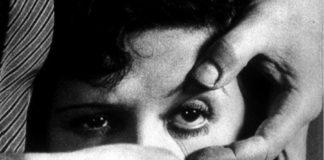 """Mítico fotograma de """"Un can andaluz"""" onde aflora o humor vítreo nun dos ollos da actriz."""